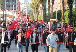 İzmir 15 Temmuz'da tek yürek