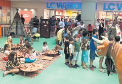 Kızılderililer  İzmir'e geldi