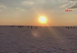 Tuz Gölüne ziyaretçi akını