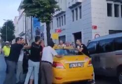 İstanbulda taksici dehşeti Yolcuya bıçakla saldırdı...
