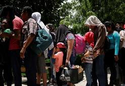 Kamyon kasasından 150 göçmen çıktı