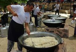 Bu pilavı yemek için 600 yıldır bu köye her yıl 20 bin kişi akın ediyor