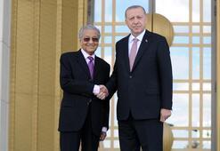 Cumhurbaşkanı Erdoğan, Malezya Başbakanı Muhammedi karşıladı