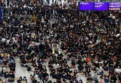 Hong Kongda protestolar havaalanına sıçradı
