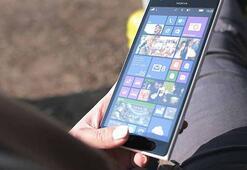 Nokiadan açılabilir kameralı yeni telefon
