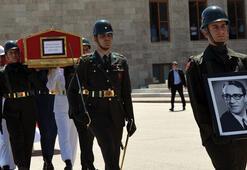 Eski Meclis Başkanı Bozbeyli için TBMMde cenaze töreni düzenlendi