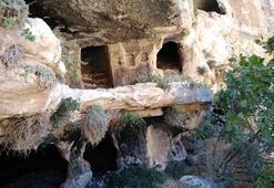 Adıyaman'da 1800 yıllık tripleks mağaralara ulaşıldı