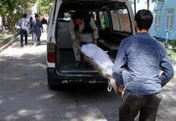 Afganistanda otobüse bombalı saldırı 32 ölü