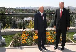 Cumhurbaşkanı Erdoğan, Bahçeliyi evinde ziyaret etti