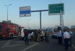 İETT otobüsü, servis aracına çarptı: 6 yaralı