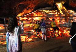 Pakistanın ünlü pembe tuz tünelleri her yıl 300 bin turist ağırlıyor