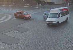 Polisten kaçan alkollü sürücü, çarptığı minibüsü devirdi
