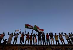 Sudanda darbeciler ve muhalifler ortak yönetimde anlaştı