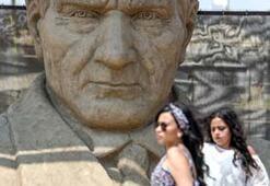 Uluslararası Antalya Kum Heykel Festivaline büyük ilgi