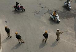 Hindistanın Cammu Keşmirde kuş uçurtmuyor, gerilim zirvede