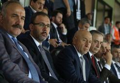 Kasapoğlu: Hem Akhisarsporu, hem de Galatasarayı tebrik  ediyorum
