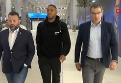 Fenerbahçenin yeni transferi Zanka İstanbula geldi
