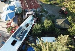 İstanbulda yolcu otobüsü devrildi Ölü ve yaralılar var