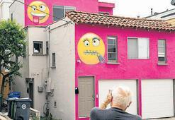Komşulara tokat gibi emoji yanıtı