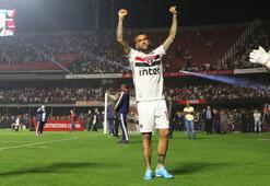 Sao Paulo ile anlaşan Dani Alves ilk antrenmanına çıktı
