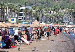 Marmariste tatilciler plajları doldurdu