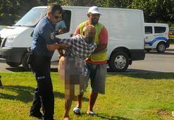 Dilenci polisi görünce soyundu