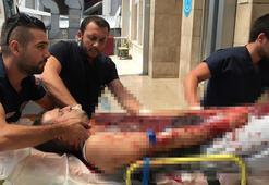 Komşusunun bıçakladığı baba ve oğlu ağır yaralı