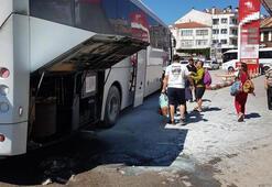 Karabükte turistleri taşıyan otobüs yandı