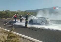 Köyceğizde seyir halindeki otomobil yandı