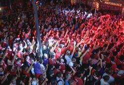 Liverpoollu taraftarların İstanbulda gece eğlencesi