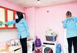 Muhtaçların evini belediye temizliyor