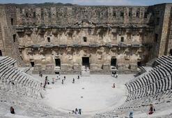 Aspendos'ta opera ve bale zamanı