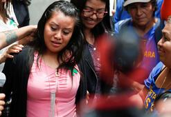 Defalarca tecavüze uğradı, tuvalette ölü doğum yaptı 40 yılla yargılanan genç kadın hakkında karar çıktı
