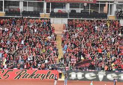 Taraftar Eskişehirsporu yalnız bırakmadı