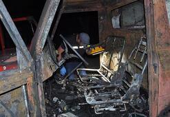 Araçları bile ateşe verdiler İki aile birbirine girdi