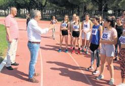 Ege Üniversitesi'ne 246 sporcu geldi