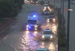 Zonguldakta şiddetli yağış yolları göle çevirdi