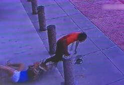 Kadın, sahte para veren adamı paçasından yakaladı