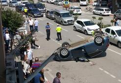 Otomobile çarpmamak için direksiyonu kırınca takla attı
