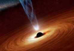 Kara deliklerin gerçekten siyah renkte olmadığını keşfeden bilim insanı kimdir 25 Ağustos ipucu sorusu