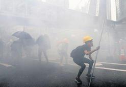 Hong Kong'da  silahlar çekildi