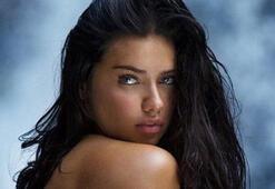 Adriana Limadan çırılçıplak poz