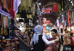 Ticaret kentinin çarşı, pazarında gurbetçi bereketi