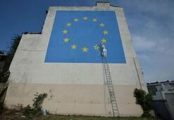 Banksynin Brexit duvar resmi bir gecede ortadan kayboldu