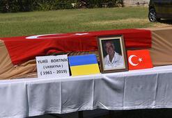 İzmirdeki yangın sonrasında ölen Ukraynalı pilota son görev