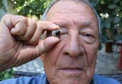 Gazi dedesinin protez gözüne gözü gibi bakıyor