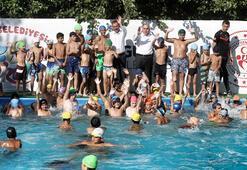 Bakan Kasapoğlu: 2020 sonuna kadar 1 milyon kişiye yüzme öğreteceğiz