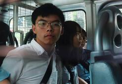 Hong Kongda protestocuların liderlerine gözaltı