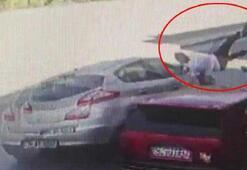 Aracına binmeye çalışırken otomobil çarptı