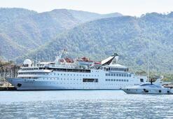 Orient Queen'le 244 turist geldi